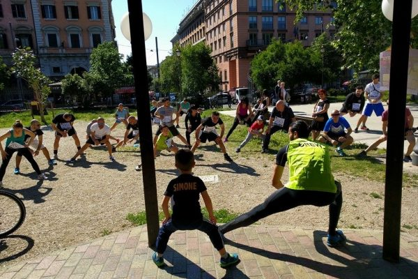 "Participants in the 2016 ""SIMO…alla meta"" event in Rome warm up for their race/walk"