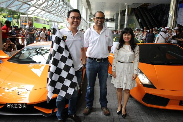 Guest of honour, Dr Janil Puthucheary (centre), Minister of State, Ministry of Communication and Information and Ministry of Education, with the BTSS President, Melissa Lim (right) and BTSS Vice President Dr David Low (left) flagged-off the supercars.  Photo Credit: MVF Studios